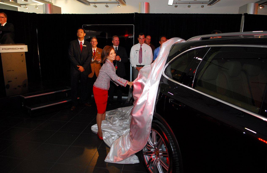 unveiling-of-the-porsche-cayenne